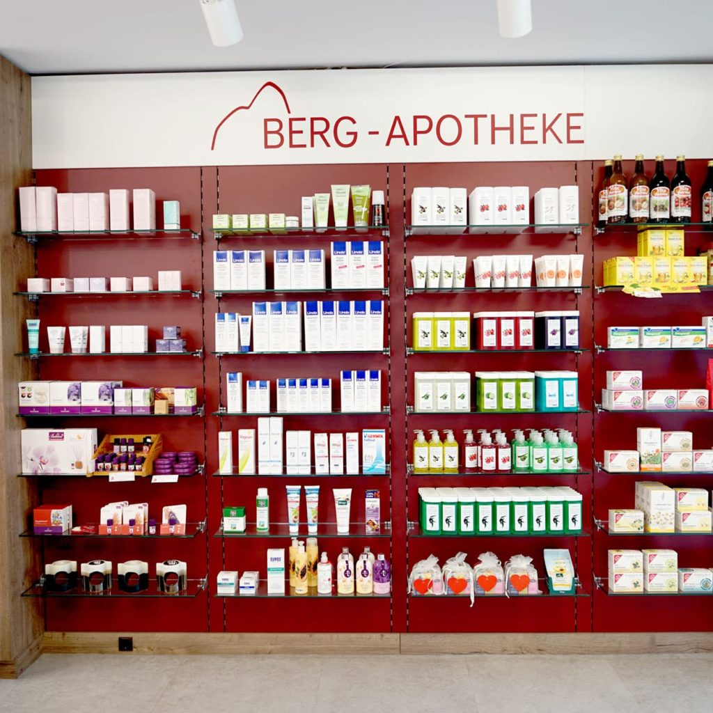 Berg Apotheke Auslage 4